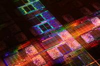 Intel altı çekirdekli işlemciyi tanıtıyor