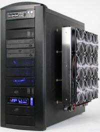 16 fan ve su soğutma: Bu PC'de yok yok!