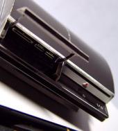 Teknolojik ürünler minyatür kağıt maketlerde