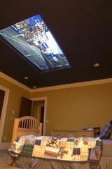 Çocuk odasında son moda: 98 inç TV