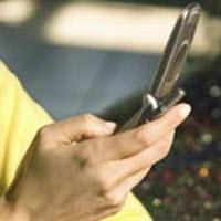 Polis okunan SMS'ler yüzünden dava açtı
