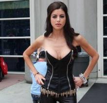 Kostümünü giyen Comic Con'da!