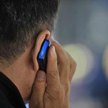 Cep telefonlarını herkes dinleyebilir!