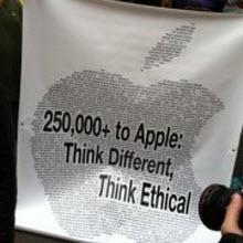 Apple karşıtları sahnede!