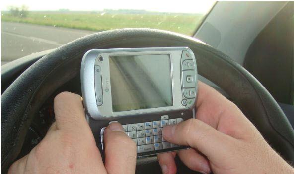 Sürüş sırasında telefonunuzla oynuyorsunuz