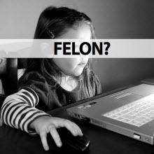 9 yaşındaki kız torrent indirdi ve başına iş açtı!