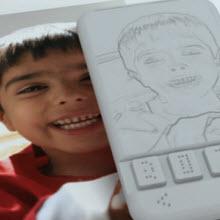 Braille alfabeli ilk telefon bu yıl raflarda mı?