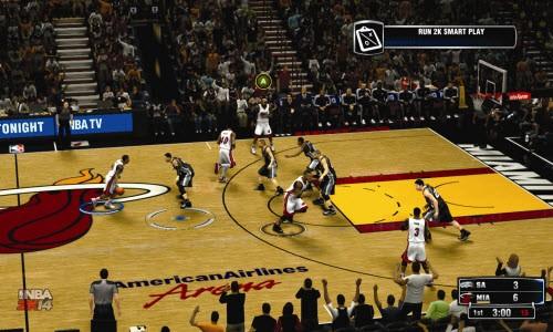 Kamera açıları ile sanki gerçek bir basket maçı