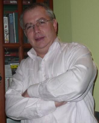 Makalenin yazarı Vehbi Bölat hakkında