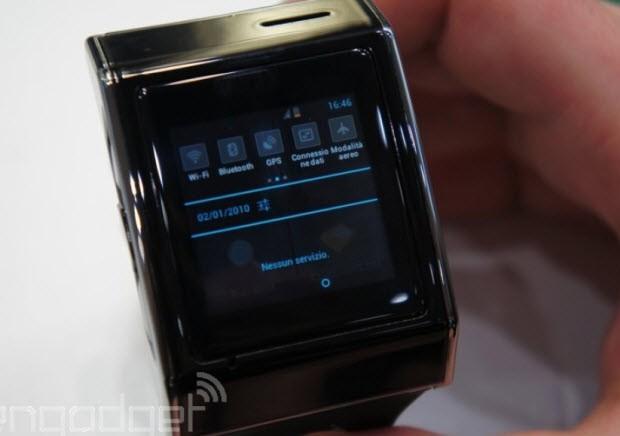 Akıllı telefon akıllı saatin içine girerse...