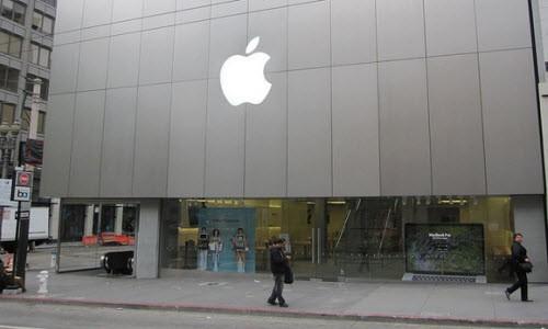 Apple nihayet ilk 10'a girdi!