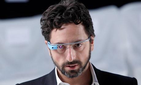Google Glass alana dört gözlük gidiyor