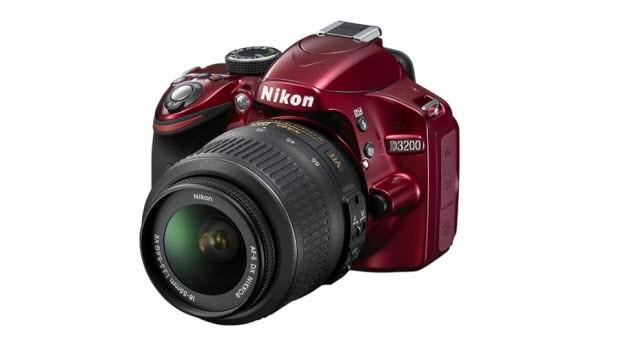 Canon 100D ve Nikon D3200 karşı karşıya - I