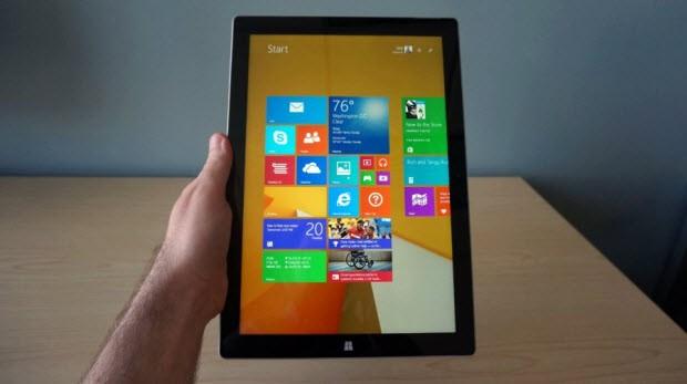 Daha büyük ekran, daha ince ve hafif gövde