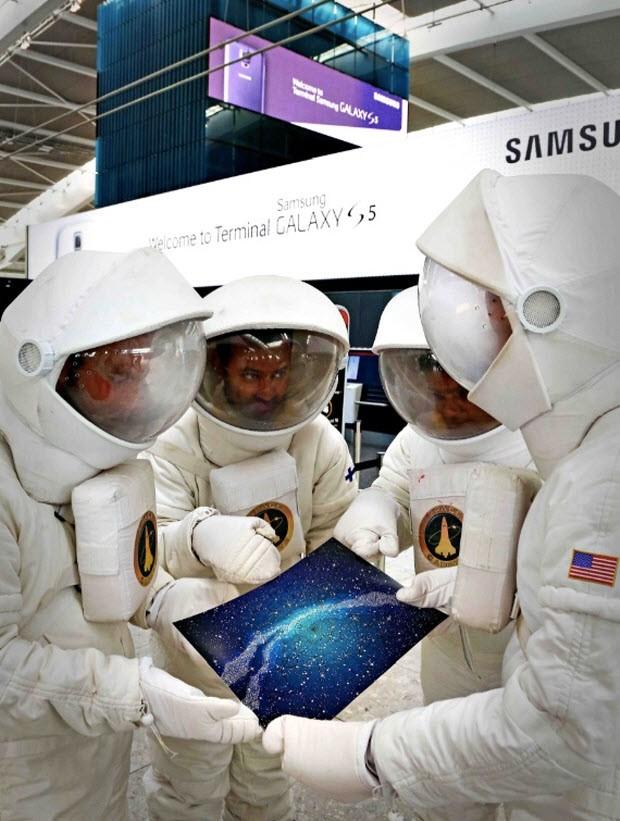 Samsung'un terminaline astronot gönderdi!
