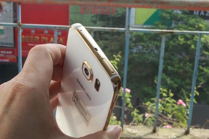 Altın kaplama Galaxy S6'dan 3 kare daha!