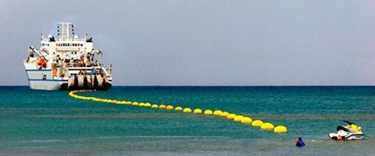 Denizaltı kablolarına mahkum muyuz?
