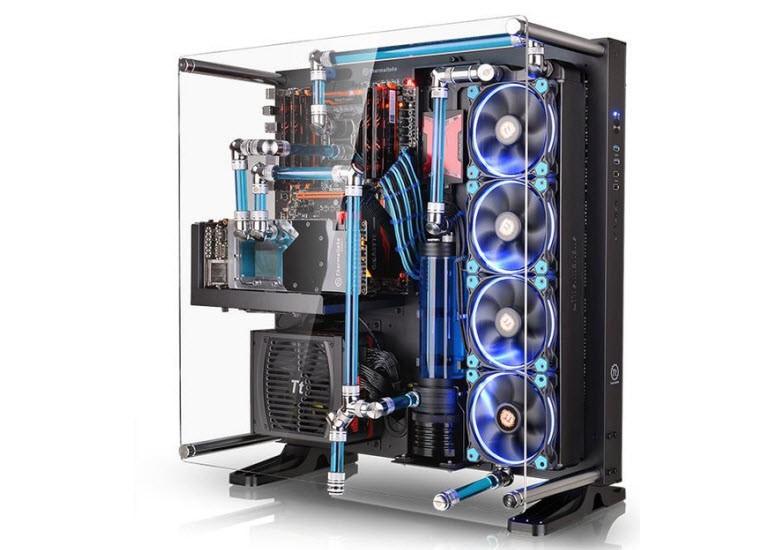 ThermalTake'in Core P5 kasasını görmelisiniz!