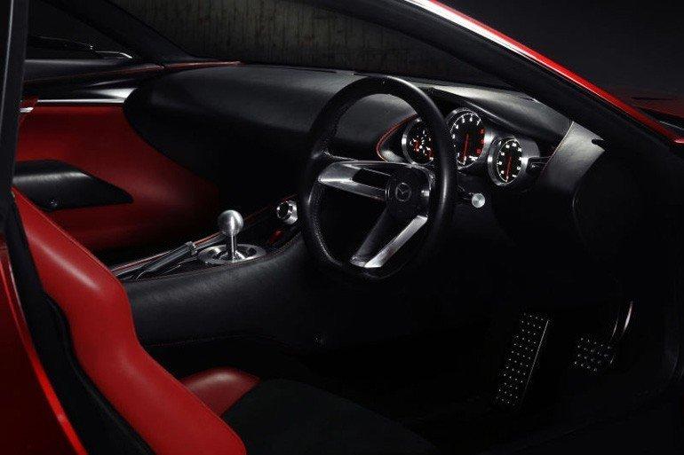 Mazda'dan müthiş bir konsept: RX-Vision...