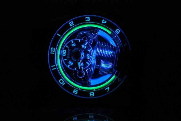 Saatlere sıvı teknolojiyle yeni bakış açısı