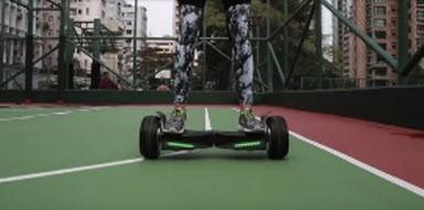 """Samsung destekli """"patlamayan"""" hoverboard!"""