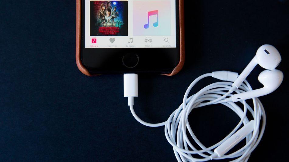 iPhone 7'nin kulaklık sorunu daha da karıştı!