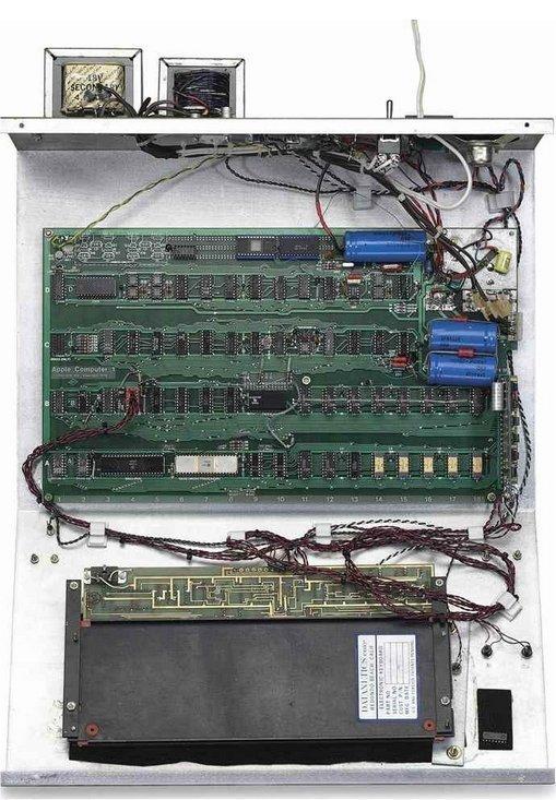 Çalışan 1976 Apple-1 Bilgisayar İçin Servet Döktüler!