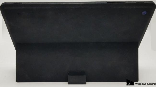 İptal Edilen Surface Mini'nin Fotoğrafları Yayınlandı