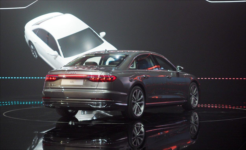 Audi, Yarı-Otonom A8 Aracını Tanıttı!