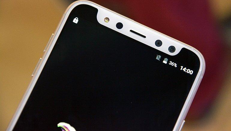 Sahte iPhone X'in Ön Kamera Çıkıntısı da Sahte