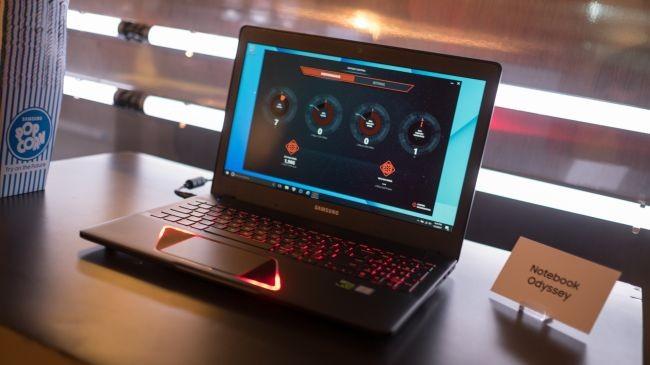 Samsung'tan Yeni Laptop'lar