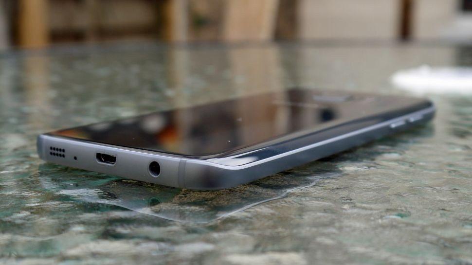 Galaxy S8'de Kulaklık Girişi Olacak mı, Olmayacak mı?