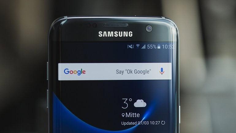 Samsung, Pembe Çizgili Ekranları Tamir Edecek!