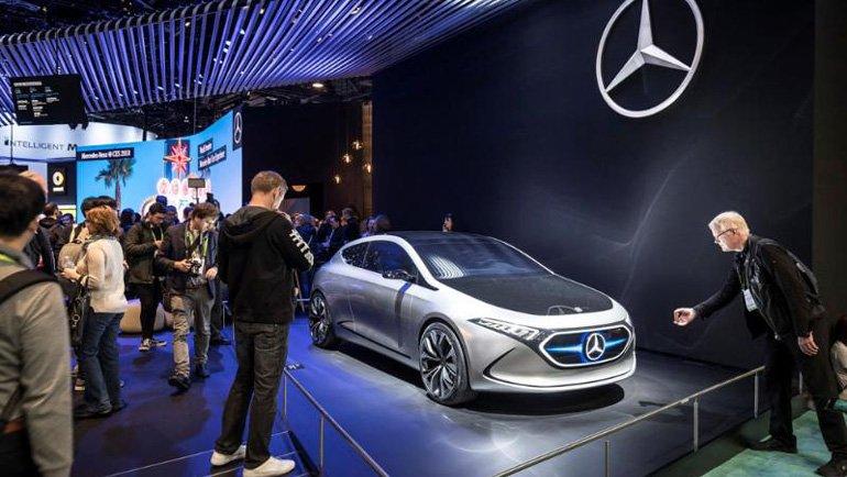 Mercedes-Benz'den Yeni Multimedya Sistemi