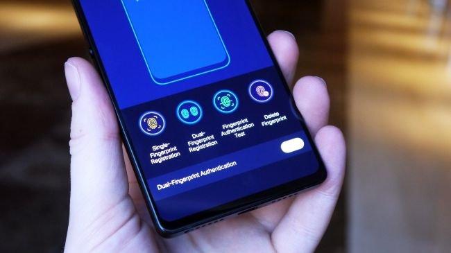 Gelecektek Gelen Telefon Gizli Kameraya Sahip