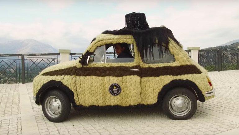 Dünya'nın en saçlı arabası