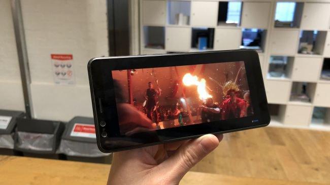 HTC U12+ ekranı ne sunuyor?