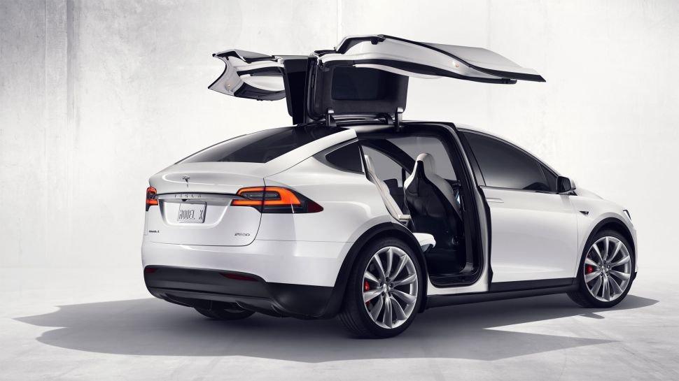 Tesla yeni teknolojisi ile göz kamaştırıyor!