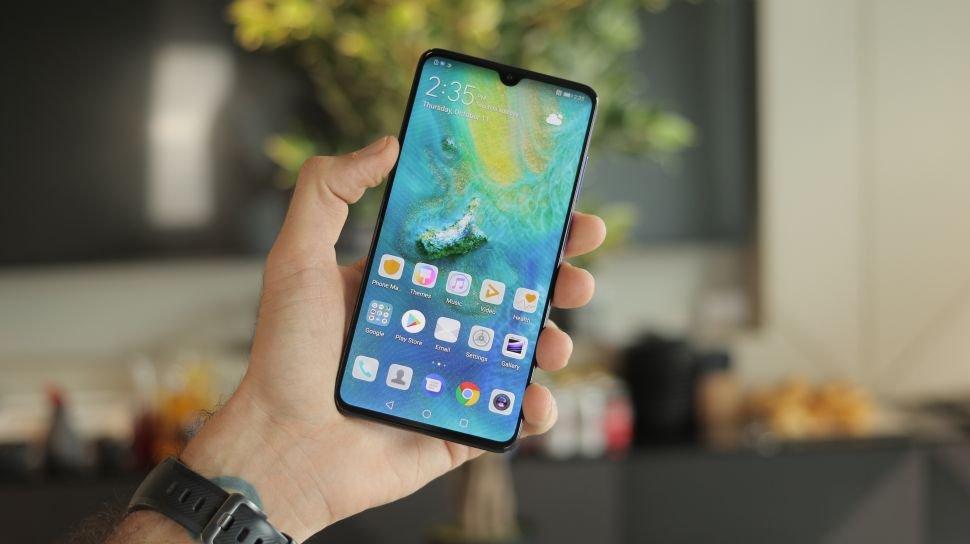 Huawei'nin Katlanan Telefonu Davetiyede Göründü