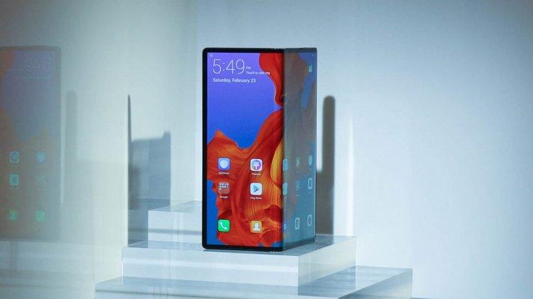 Samsung Galaxy Fold, Huawei Mate X'e Karşı!