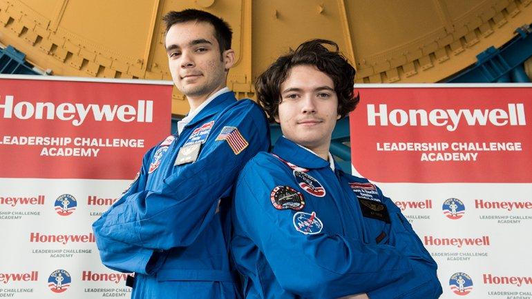İki Türk Öğrenci ABD'de Uzay Kampına Seçildi!
