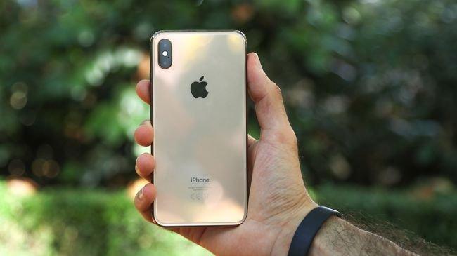 Huawei P30 Pro vs Galaxy S10 Plus vs iPhone XS Max