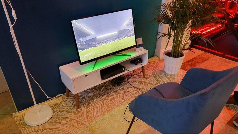Philips Momentum 326M6VJRMB: Konsol Oyuncularına Özel