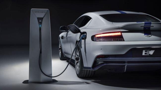 Aston Martin ilk tam elektrikli arabasını tanıttı