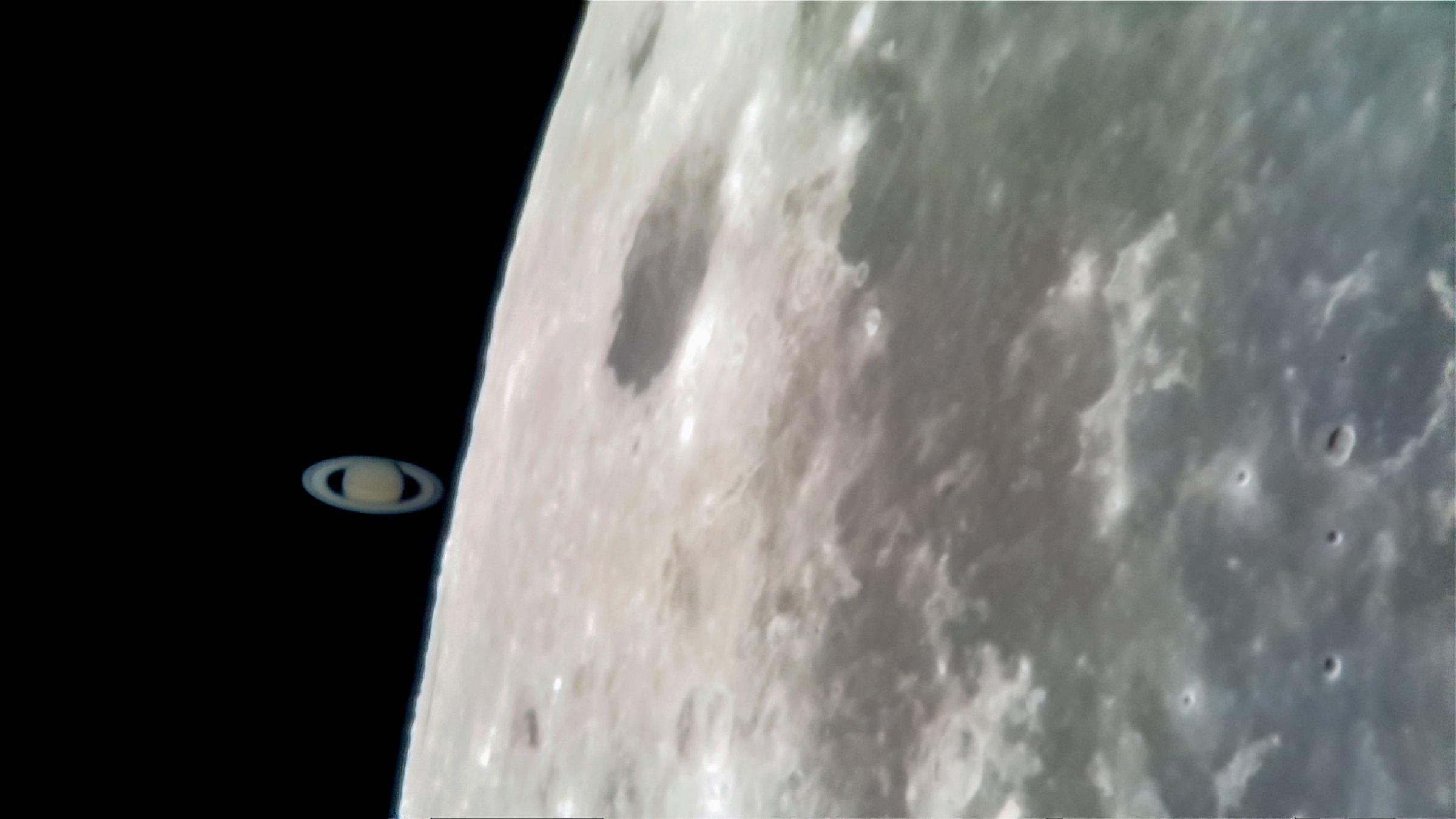 Satürn'un Bu Fotoğrafı Bir Galaxy S8 ile Çekildi