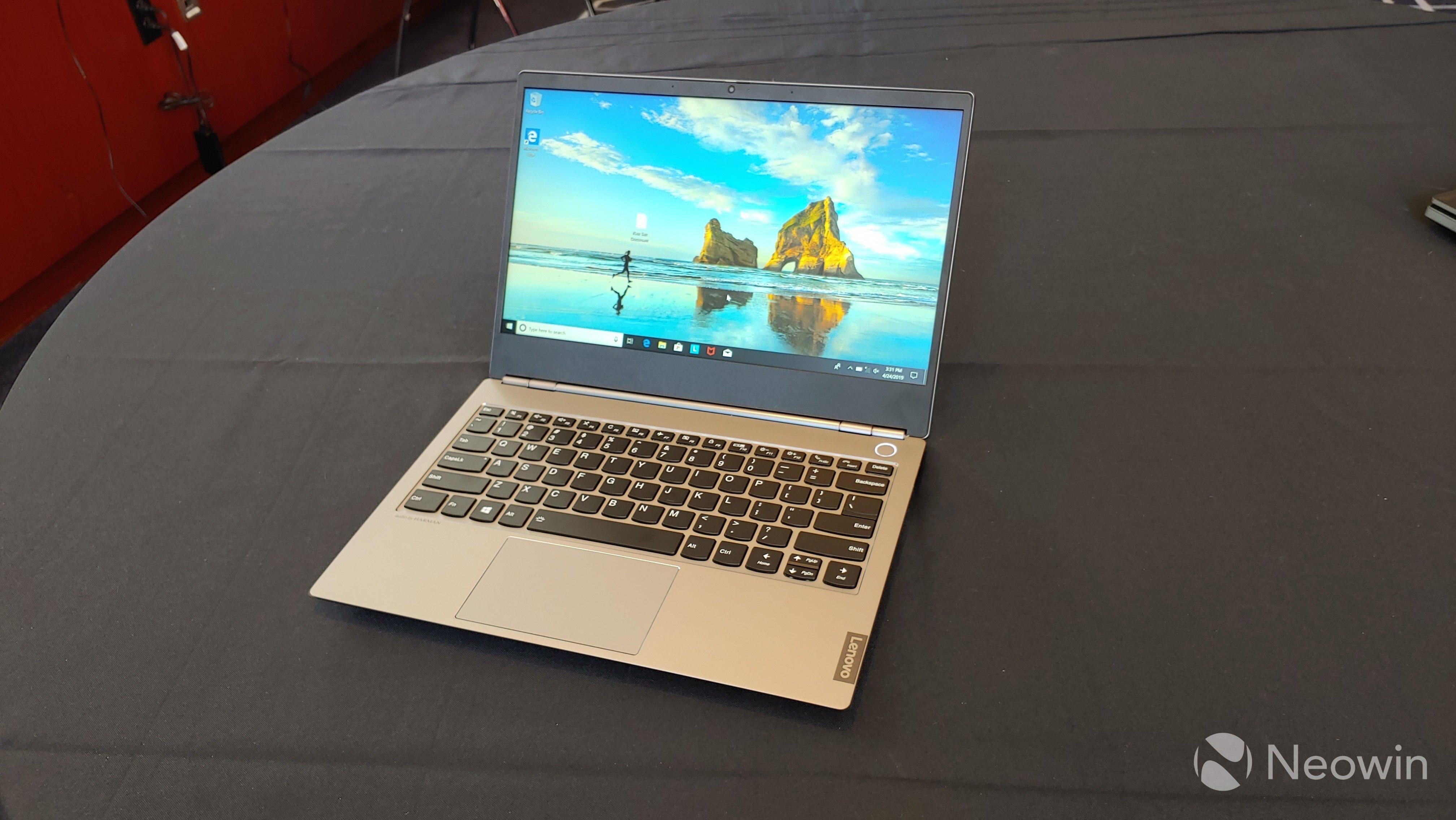 Lenovo'dan Yeni Laptop Serisi: ThinkBook