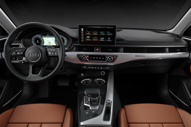 Audi A4 İçin Beklenen Makyaj Geldi