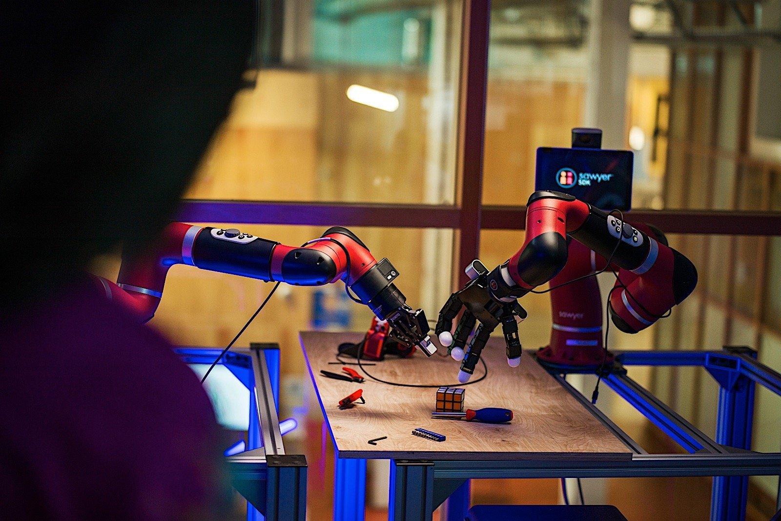 Facebook,'un Robot Hedefi Çok Büyük!