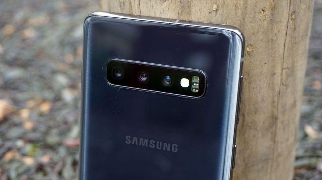 Huawei P30 vs Galaxy S10 vs iPhone XS