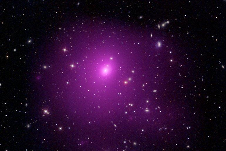 Güneş'in 40 Milyar Katı Büyüklüğünde Kara Delik!